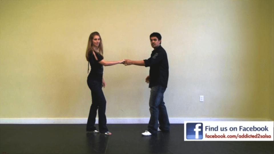 el paso de swing de salsa Salsa Dance Video