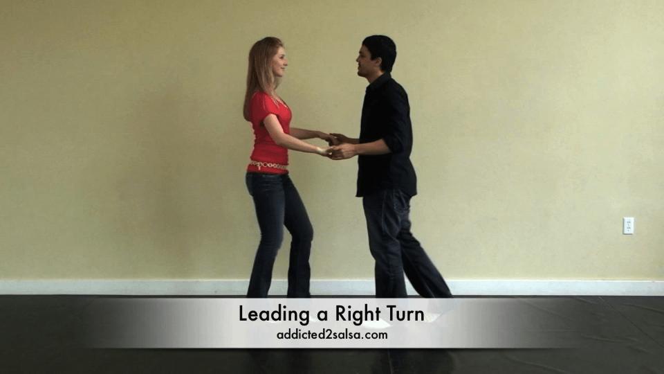 base tourner à droite en danse salsa Salsa Dance Video