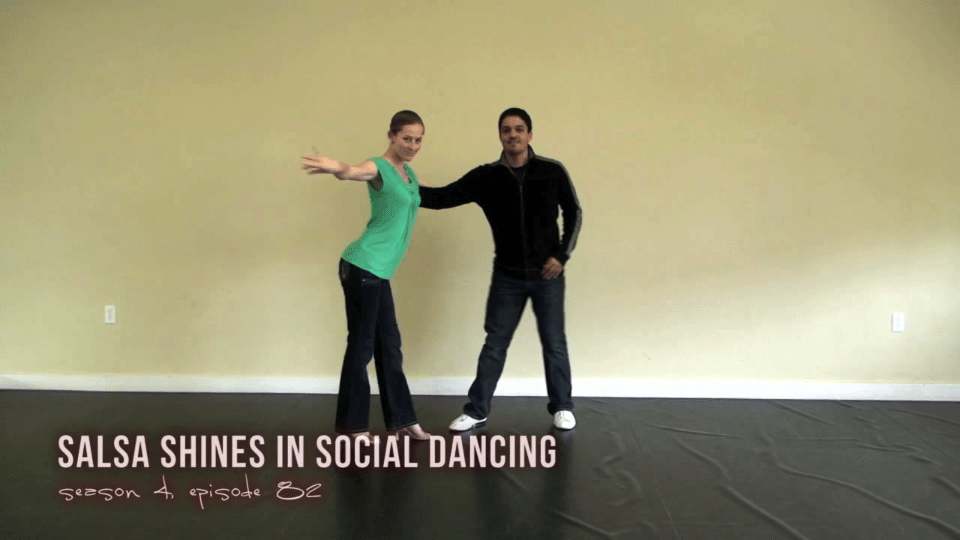 salsa brille dans la danse sociale Salsa Dance Video